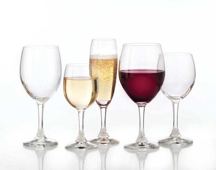 Glassware-Handling-Tips